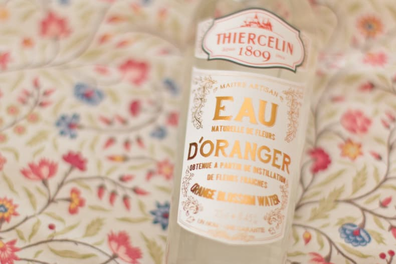 Eau naturelle de fleur d'oranger Thiercelin obtenue par distillation de fleurs fraîches, 25cl - En vente à l'Epicerie Maurice Angoulême.